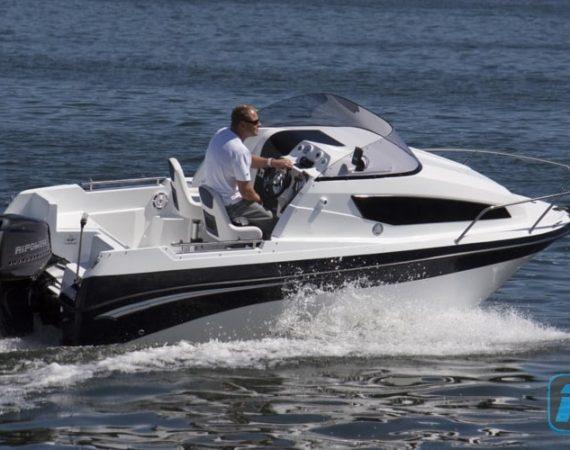 Leistungsstarke Elektroboote mit Lithium-Ionen-Akku von RiPower