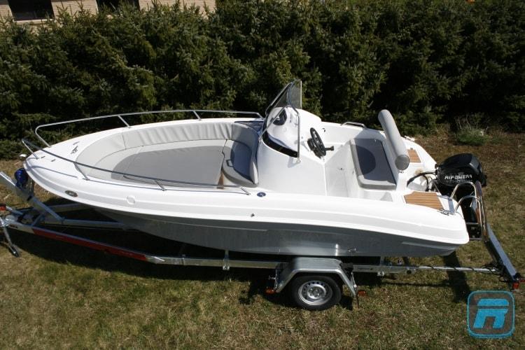 RiPower Elektroboot speedWater Bild02-min