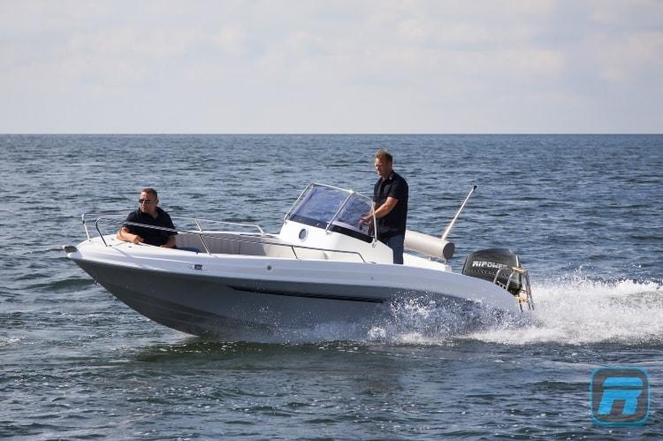RiPower Elektroboot speedWater Bild10-min